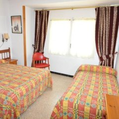 Отель Hostal Can Salvador Курорт Росес комната для гостей фото 2
