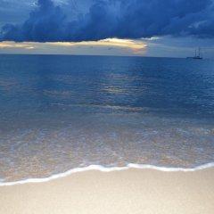 Отель Baan Long Beach Таиланд, Ланта - отзывы, цены и фото номеров - забронировать отель Baan Long Beach онлайн пляж фото 2