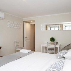 Отель Flores Guest House 4* Номер Комфорт с различными типами кроватей фото 8