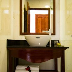 Отель Mi Kha Homestay 3* Улучшенный номер с различными типами кроватей фото 16