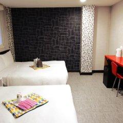 Отель Ximen Taipei DreamHouse 2* Стандартный семейный номер с различными типами кроватей