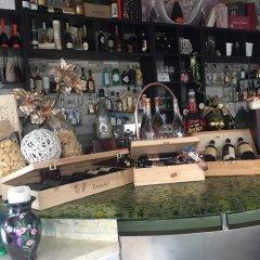 Отель Ai colli Италия, Региональный парк Colli Euganei - отзывы, цены и фото номеров - забронировать отель Ai colli онлайн гостиничный бар