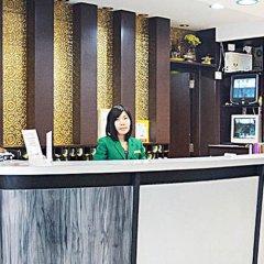 Отель Four Sons Place Таиланд, Бангкок - отзывы, цены и фото номеров - забронировать отель Four Sons Place онлайн гостиничный бар
