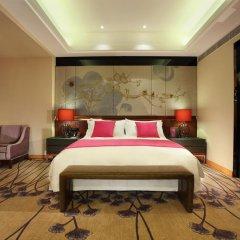 Отель Crowne Plaza Chengdu West Улучшенный номер с различными типами кроватей