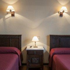 Отель Hostal Ayestaran II Стандартный номер с двуспальной кроватью фото 12
