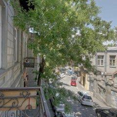 Отель Tbili Hostel Грузия, Тбилиси - отзывы, цены и фото номеров - забронировать отель Tbili Hostel онлайн балкон