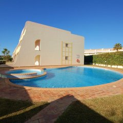 Отель Onda Moura Португалия, Виламура - отзывы, цены и фото номеров - забронировать отель Onda Moura онлайн бассейн