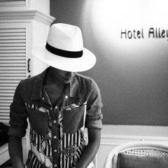 Hotel Alley 3* Улучшенный номер с двуспальной кроватью фото 24
