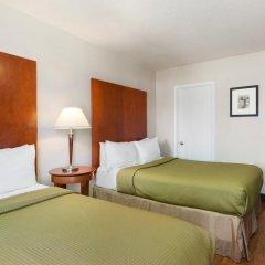 Отель Thriftlodge Saskatoon 2* Стандартный номер с различными типами кроватей фото 3