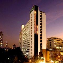 Отель Furama Silom, Bangkok 3* Улучшенный номер с разными типами кроватей фото 4