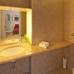 Отель Feeling Lisbon Pátio Chiado ванная фото 2