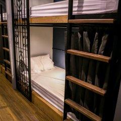 Silom Space Hostel Кровать в общем номере фото 6