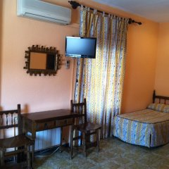 Отель Hostal Paracuellos удобства в номере