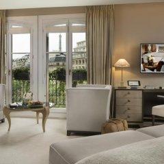 Отель Hôtel Barrière Le Fouquet's 5* Улучшенный номер с различными типами кроватей фото 3