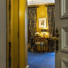 Grand Hotel Les Trois Rois 5* Улучшенный номер с различными типами кроватей фото 3