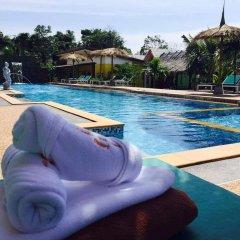 Отель Pinky Bungalow Ланта бассейн