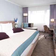 Отель Crowne Plaza Berlin City Centre 4* Улучшенный номер с разными типами кроватей