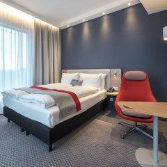 Отель Holiday Inn Express Berlin - Alexanderplatz 3* Стандартный номер с разными типами кроватей