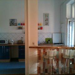 Апартаменты Caterina Private Rooms and Apartments Стандартный семейный номер с двуспальной кроватью