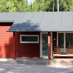 Отель Rastila Camping Helsinki Коттедж с различными типами кроватей фото 6