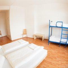 Отель a&o Dresden Hauptbahnhof 2* Стандартный номер с различными типами кроватей фото 4