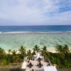 Отель The White Harp Beach Hotel Мальдивы, Мале - отзывы, цены и фото номеров - забронировать отель The White Harp Beach Hotel онлайн пляж фото 2