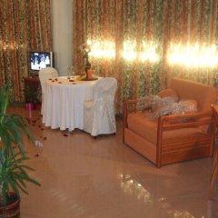 Hotel Fonda Neus Полулюкс с различными типами кроватей
