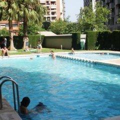 Отель Palau Reina Sofia Apartments Испания, Валенсия - отзывы, цены и фото номеров - забронировать отель Palau Reina Sofia Apartments онлайн бассейн фото 2