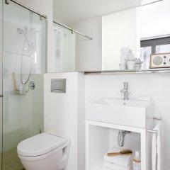 Отель Eric Vökel Boutique Apartments - Atocha Suites Испания, Мадрид - отзывы, цены и фото номеров - забронировать отель Eric Vökel Boutique Apartments - Atocha Suites онлайн ванная