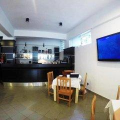 Hotel Aulona гостиничный бар