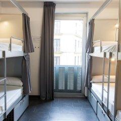 Отель St Christopher's Inn Кровать в общем номере фото 6