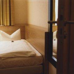 Hotel Jedermann 2* Стандартный семейный номер с двуспальной кроватью фото 20