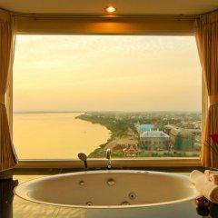 Champasak Grand Hotel 4* Улучшенный номер с различными типами кроватей фото 2