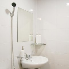 Отель Seoul Dalbit Dongdaemun Guesthouse 2* Номер категории Эконом с различными типами кроватей фото 4