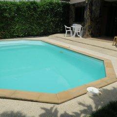 Отель Rock Mini Resort бассейн