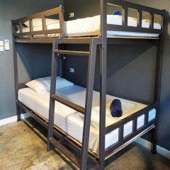 B&B House & Hostel Кровать в мужском общем номере с двухъярусной кроватью