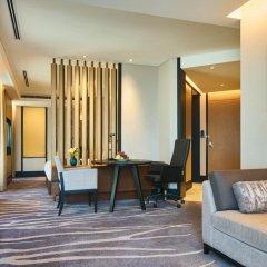 Отель InterContinental Shanghai Hongqiao NECC Улучшенный номер с двуспальной кроватью фото 4