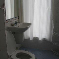 Отель Chanisara Guesthouse ванная фото 2