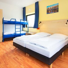 Отель a&o Amsterdam Zuidoost 2* Стандартный номер с 2 отдельными кроватями фото 2