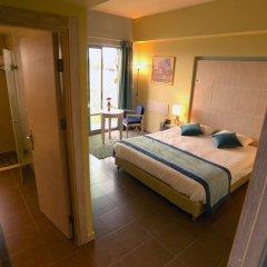 Holy Land Hotel Израиль, Иерусалим - 1 отзыв об отеле, цены и фото номеров - забронировать отель Holy Land Hotel онлайн сейф в номере