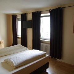 Отель Am Sendlinger Tor 3* Кровать в общем номере фото 7