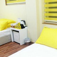 Отель 24 Guesthouse Seoul City Hall 2* Улучшенный номер с различными типами кроватей фото 3
