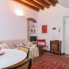 Отель Milano Weekend House Италия, Милан - отзывы, цены и фото номеров - забронировать отель Milano Weekend House онлайн комната для гостей фото 3