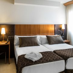 Отель Catalonia Barcelona Golf 3* Улучшенный номер с различными типами кроватей