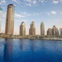 Отель DHH - Cayan Tower бассейн
