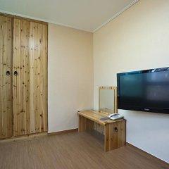 Отель Myeongdong ECO House 2* Стандартный номер с 2 отдельными кроватями фото 17