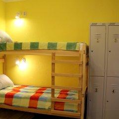 Koenig Hostel Кровать в женском общем номере с двухъярусной кроватью
