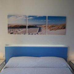 Отель Apartamentos Blue Beach Menorca 2 Испания, Кала-эн-Бланес - отзывы, цены и фото номеров - забронировать отель Apartamentos Blue Beach Menorca 2 онлайн комната для гостей фото 5