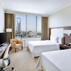 Отель Courtyard by Marriott Riyadh Olaya 4* Улучшенный номер с различными типами кроватей фото 5