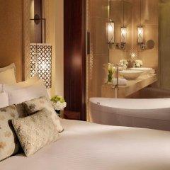 Отель The Ritz-Carlton, Dubai Стандартный номер с различными типами кроватей фото 10